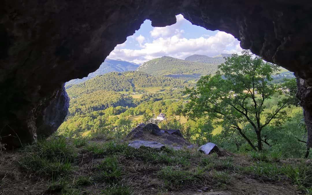 Grottes Gleisietas d'Ouzous 65400 au Pibeste dans les Pyrénees – Petite ballade très sympa
